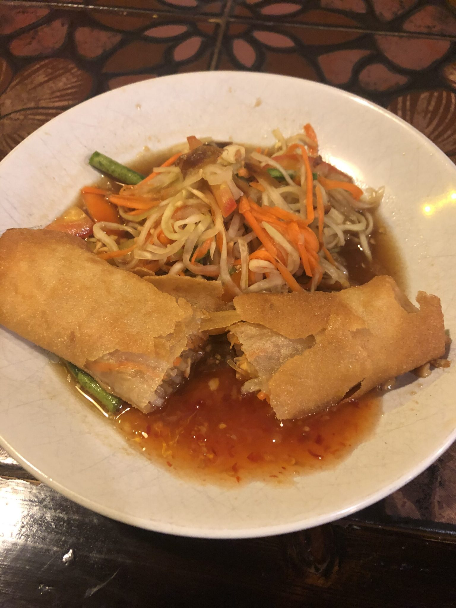 Spring rolls in a sweet sour sauce with vegetables!